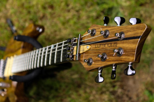 04 Long Headstock